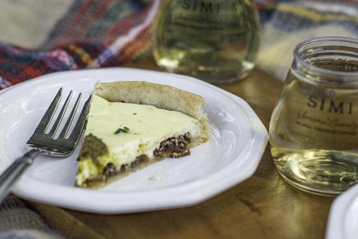 savory tart with pesto
