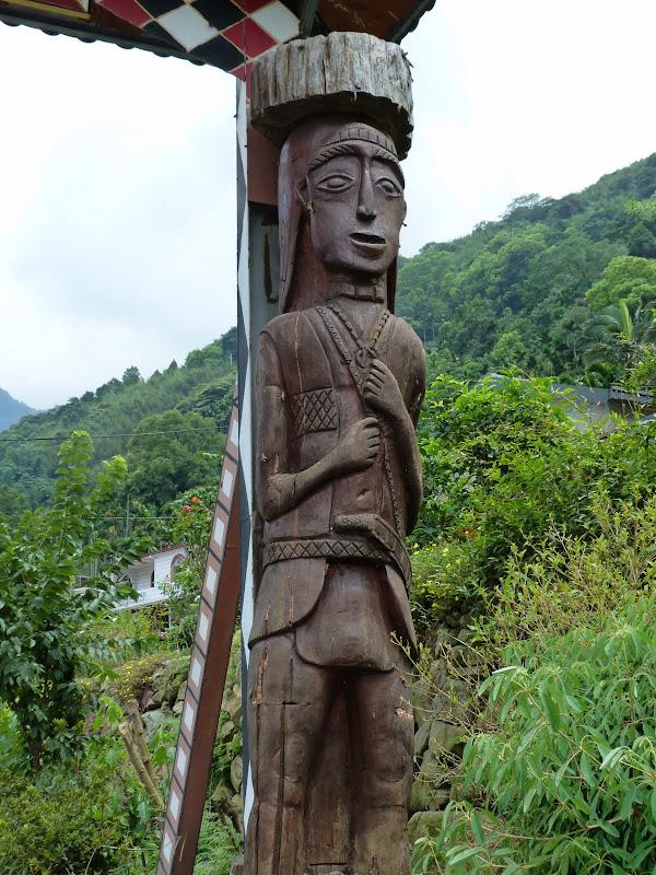 Puli  en passant , entre autres, par les villages de l ethnie Bunum de Loloko et Dili. J 10 - P1170101.JPG