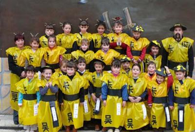 ideas carnaval escolar: de chinos con bolsa basura