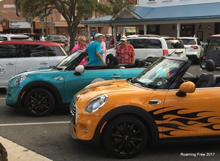 Mini Cooper Club in the Square