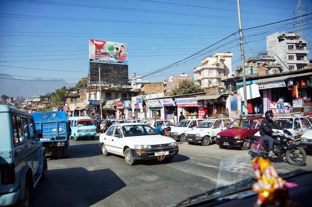 達人帶路-環遊世界-尼泊爾PoonHill健行-馬路上