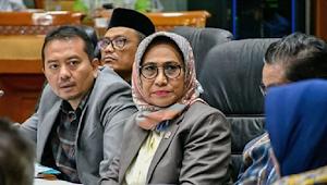 Seleksi PPPK Belum Digelar, Komisi X DPR RI MINTA Guru Honorer Mengabdi 10 Tahun Diangkat PNS