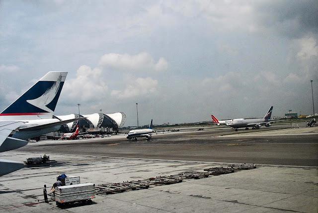 bangkok airport tarmac