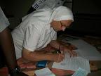 Suor Luciana Maulo firma il contratto di costruzione!