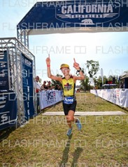 180624_ca_tri_sprint_anna_finish