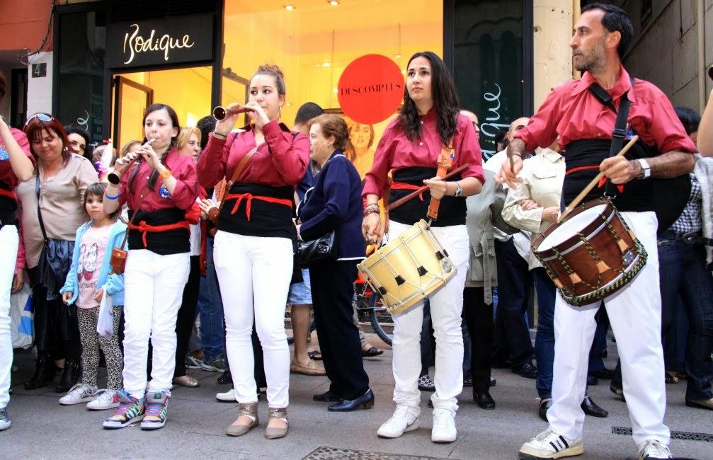 Aniversari Castellers de Lleida 16-04-11 - 20110416_170_grallers_CdL_XVI_Aniversari_de_CdL.jpg