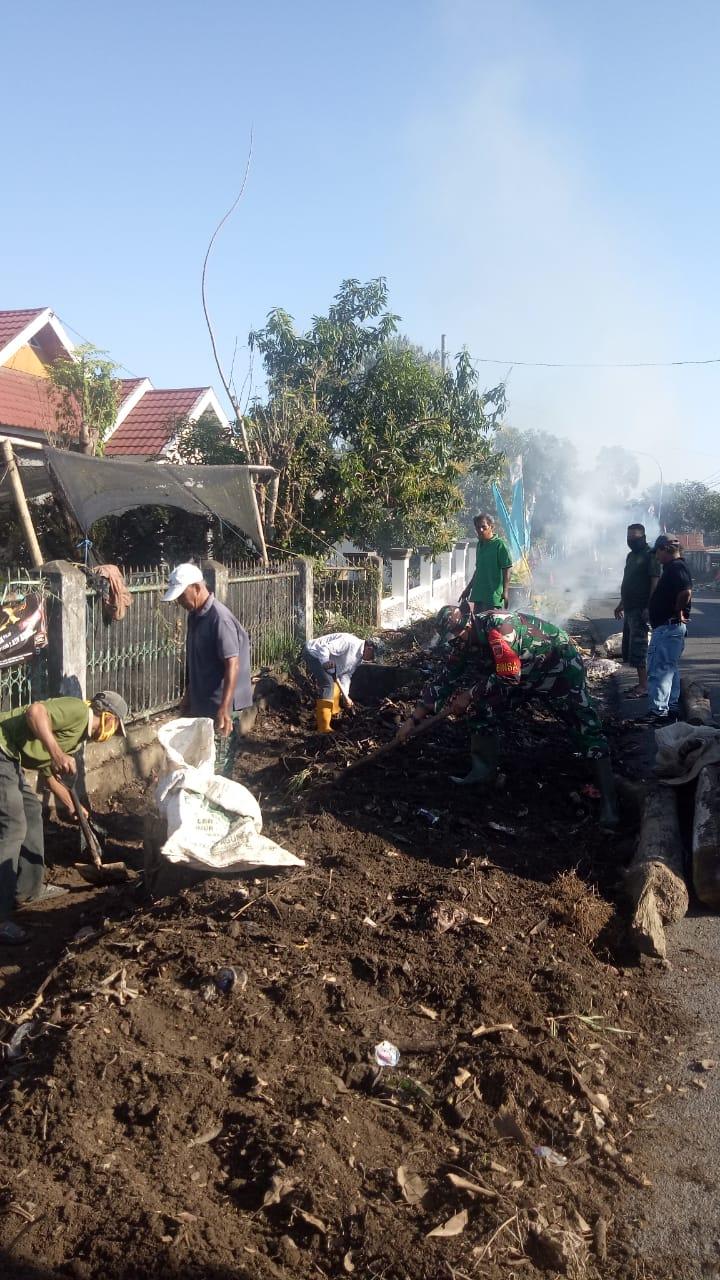 Peduli Lingkungan Hidup, Babinsa 05 Kopda Yusri Pimpin Warga Kerja Bhakti, Ini Sasarannya