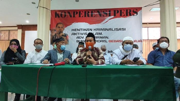 Penangkapannya Dinilai Melanggar Hukum, Sahabat Munarman Desak Jokowi Segera Bebaskan Munarman