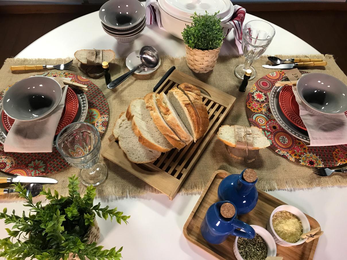 mesa posta de sopa