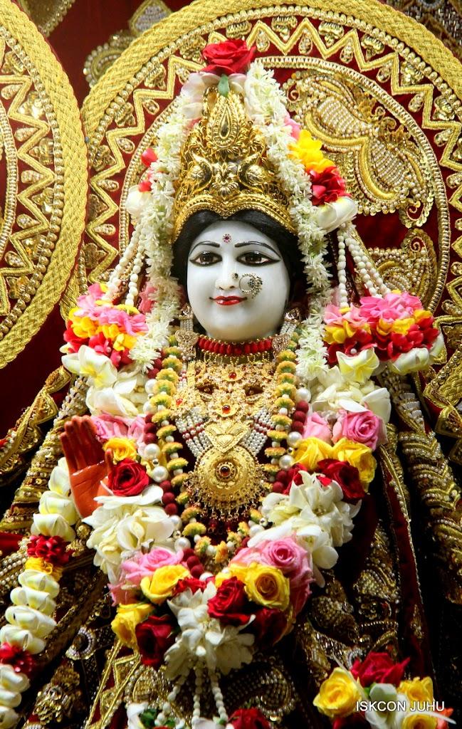 ISKCON Juhu Sringar Deity Darshan on 5th Aug 2016 (20)