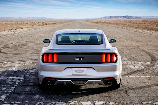2015-Ford-Mustang-14