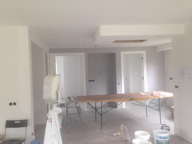 De bouw van ons nieuwe huis week 39 licht grijze muren for Lichtgrijze muur