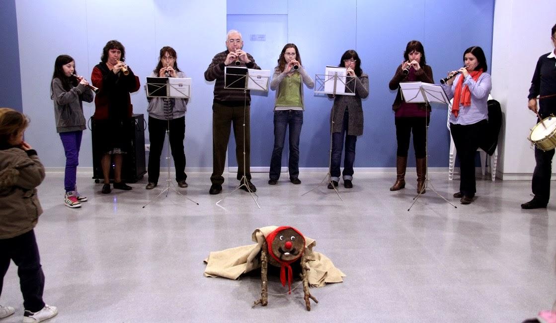 Torronada i concert dels  grallers 17-12-11 - 20111217_552_Torronada_concert.jpg
