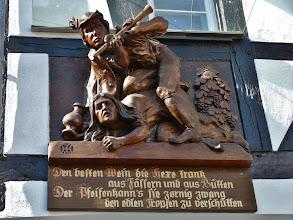 """Photo: Auf eine (angebliche) """"Hexe"""" geht das älteste Weinfest Deutschlands zurück."""
