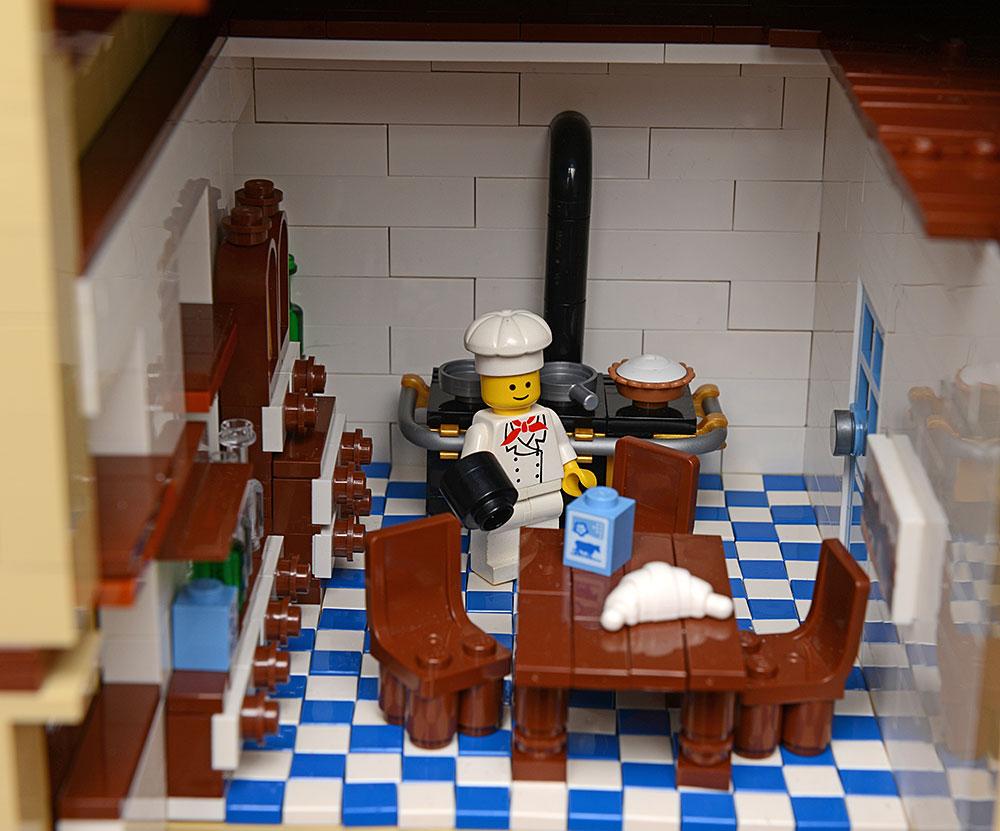 alt berlin dennewitzplatz haus mit bahndurchfahrt lego bei gemeinschaft. Black Bedroom Furniture Sets. Home Design Ideas