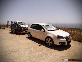 VW Golf Mk6 trailing a citroen saxo