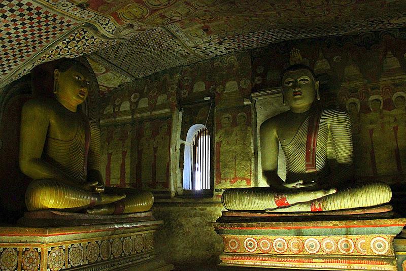 #Dambullacavetemple #dambullatravelblog #Travelbloggerindia #Travelblog #Srilankatravelblog #Srilankatourism