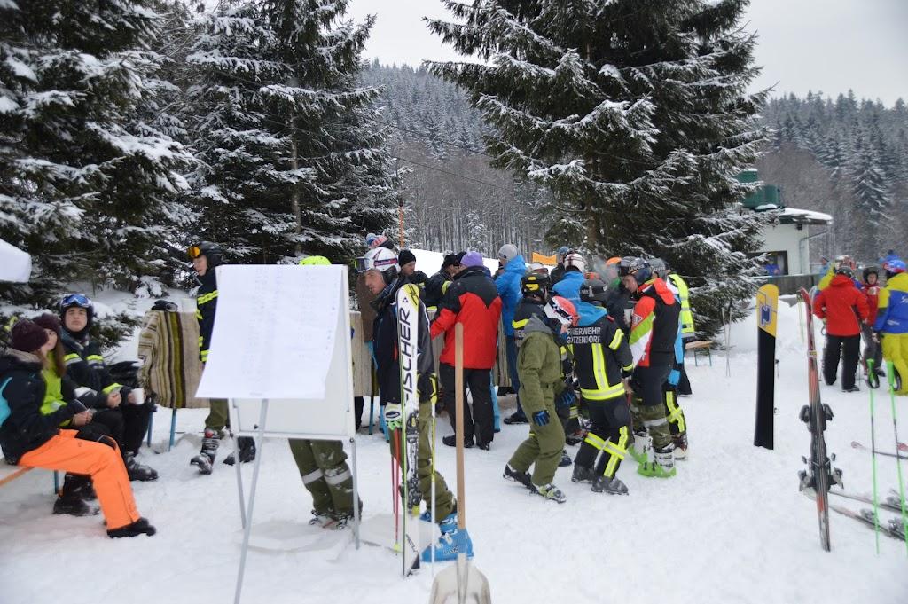 2017-01-08 Bezirksfeuerwehrskirennen - 31345146654_c122d6891e_o.jpg