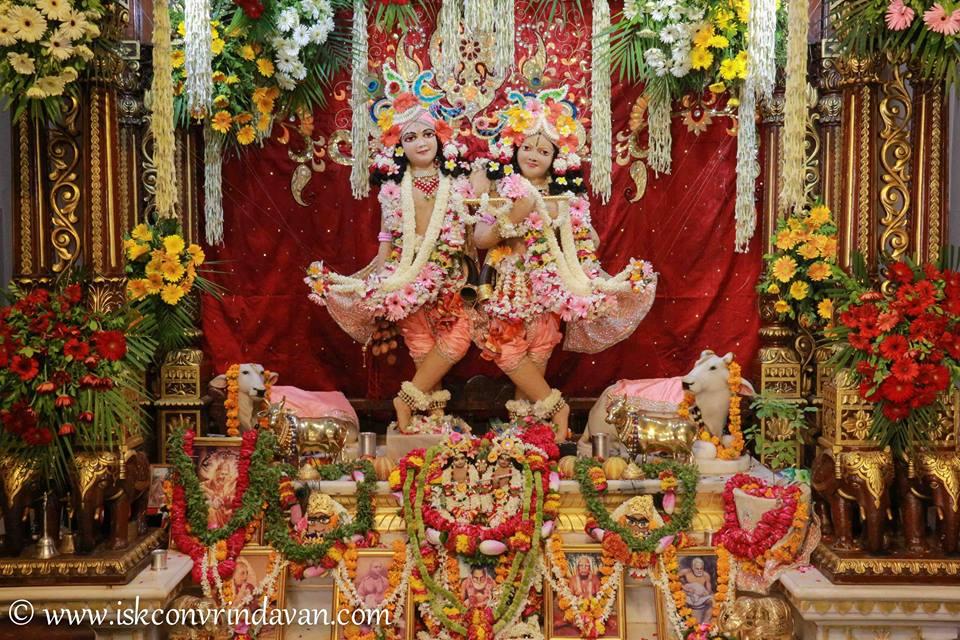 ISKCON Vrindavan Shringar Deity Darshan 29 May  2016 (16)