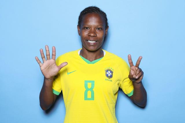 Heroínas do futebol: Formiga #10