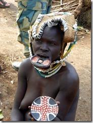 Week 2019-02 - Gard Ethiopië vrouw met lipschotel
