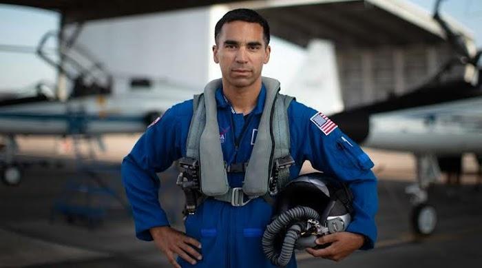 Who is Raja Chari, whom NASA chose to send to the moon?