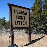 Плакат на экологическую тему фото Please don't litter Пожалуйста, не мусорите