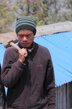 Kapil Gurung se jakožto zkušený dělník a zapojil do programu Peníze za práci. Foto: Archiv Člověk v tísni