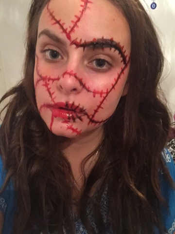 Emillie Charlotte Samantha: Halloween makeup- stitched up