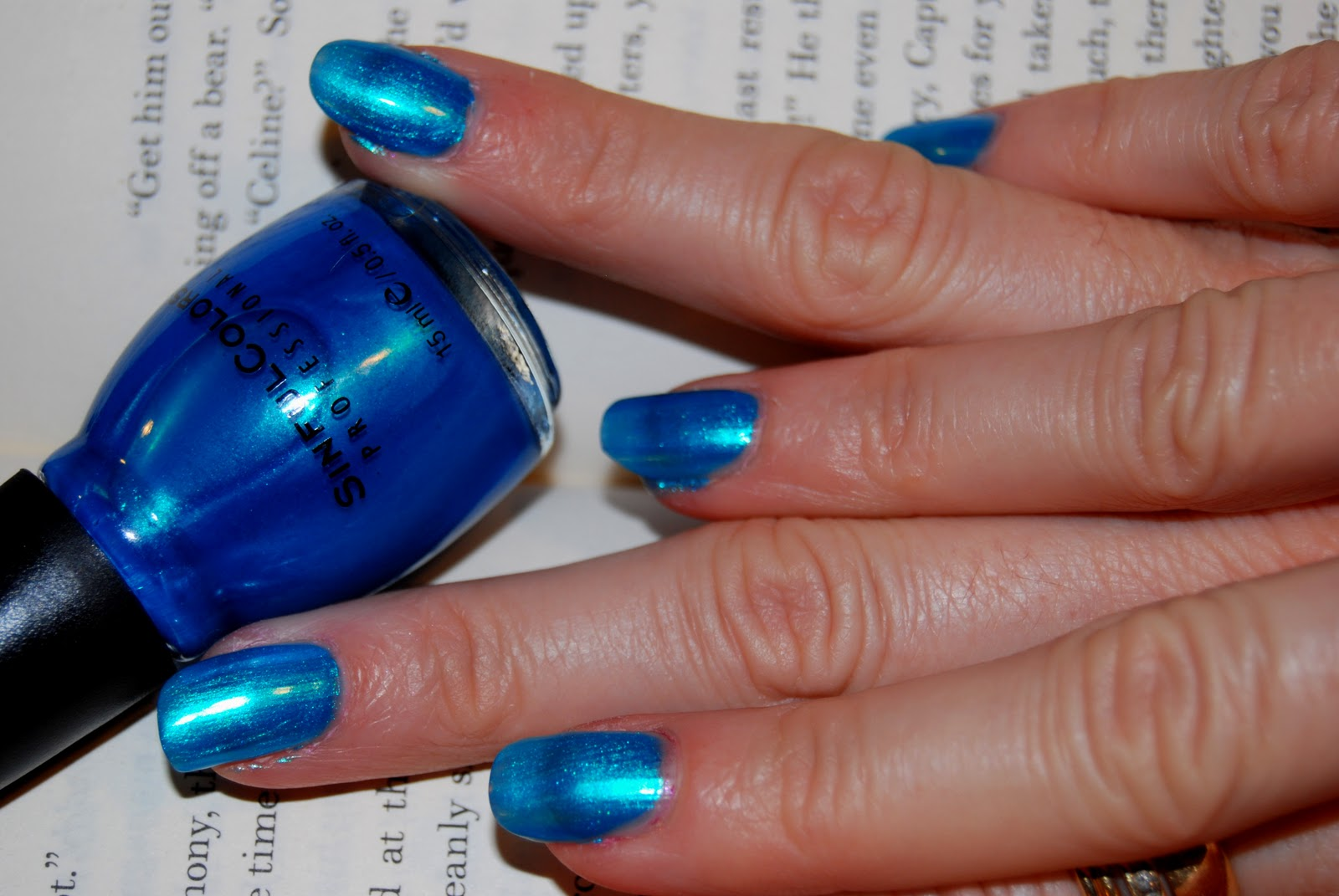 Mermaid Nails: Mermaid Blue with Sinful Colors in \'Love Nails\'