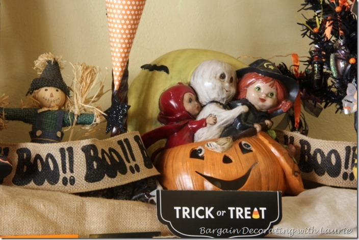 Halloween Trick-Or-Treaters on Mantel