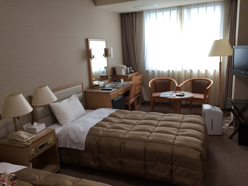 Western-style room, in the Asaya Hotel's Shuhou Hall.