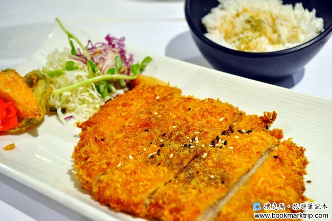 鰭味日式定食 - 主食日式炸豬排附高麗菜絲