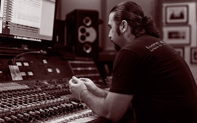 John Dolmayan está de volta ao estúdio