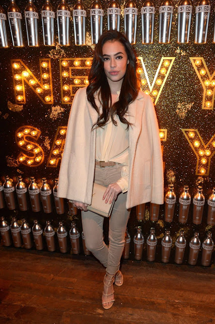 Chloe Bridges Profile pictures, Dp Images, Display pics collection for whatsapp, Facebook, Instagram, Pinterest.