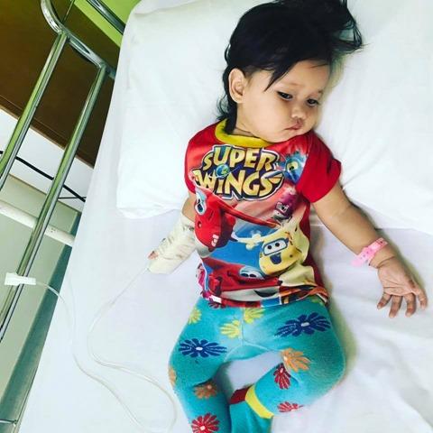 BAHAYA BABY CRYSTAL PADA ANAK KECIL 3