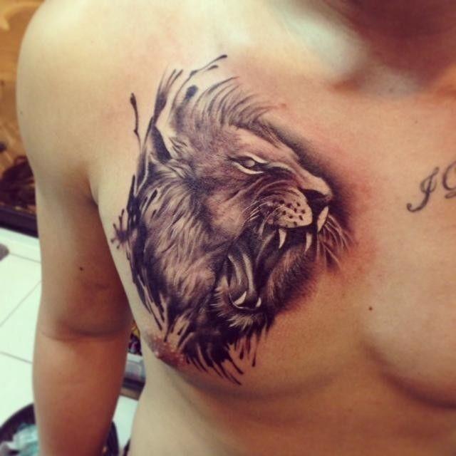 leo_tatuagem_no_peito