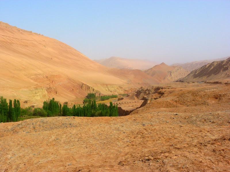 XINJIANG.  Turpan. Ancient city of Jiaohe, Flaming Mountains, Karez, Bezelik Thousand Budda caves - P1270926.JPG