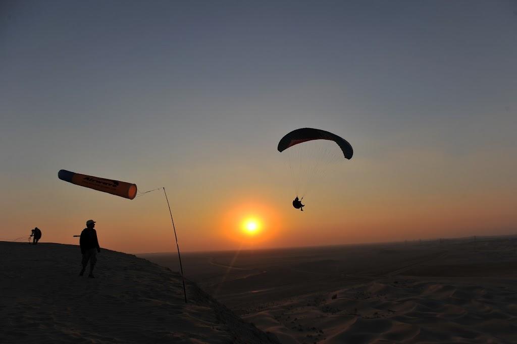 Zon zakt, in de woestijn.jpg