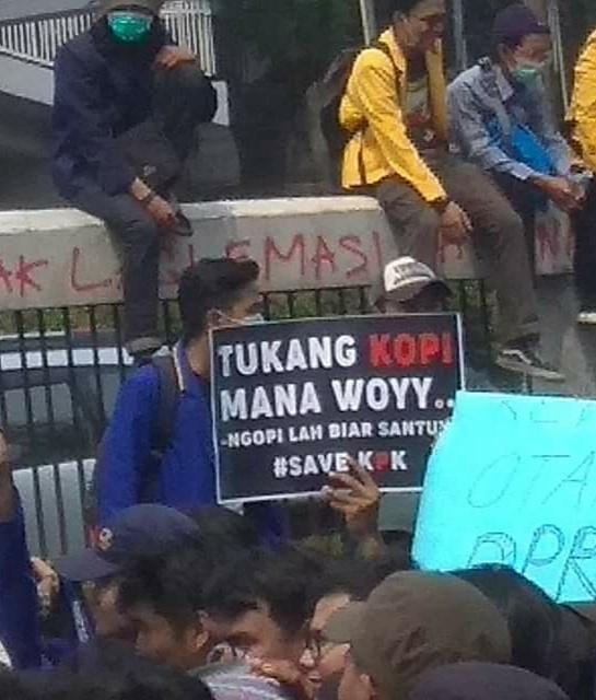Kumpulan Poster Kocak Demo Mahasiswa