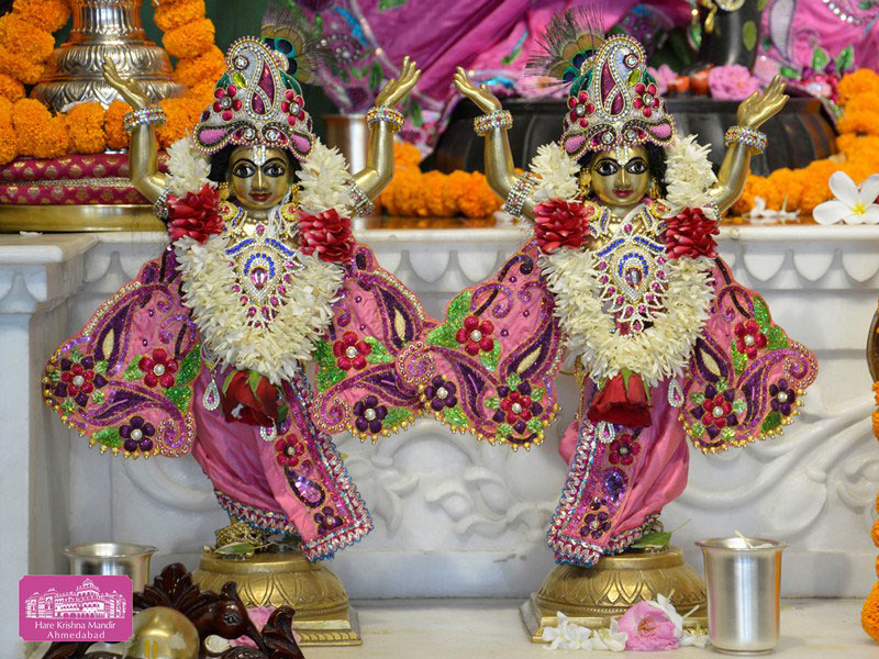 ISKCON Ahmedabad Deity Darshan 20 Sep 2016 (9)