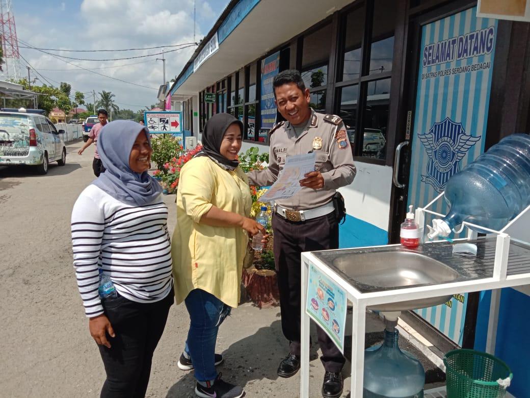 Satlantas Polres Sergai Berikan Arahan Kepada Personil Dan Masyarakat Tentang Pencegahan Virus Corona