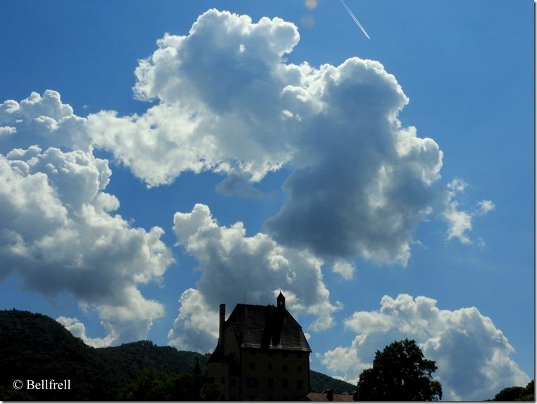 Wolken über Schloß Goldenstein