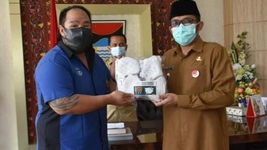 Pemko Padang Terima Bantuan Masker dari HTT