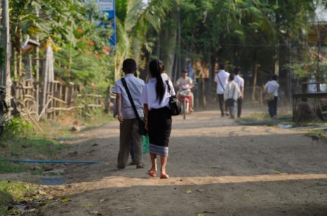 cesta do školy, Laos