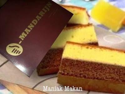 maniak-makan-oleh-oleh-khas-solo-enak-roti-mandarijn-orion