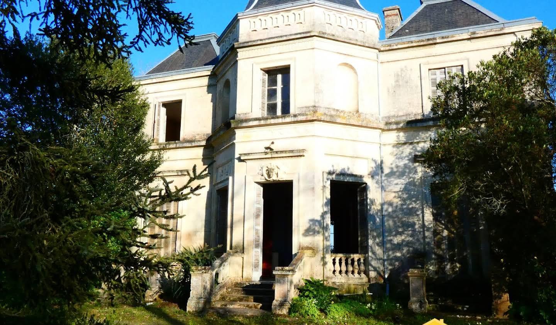 Maison Mirambeau