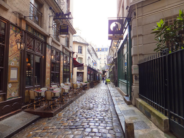 Cour du Commerce Saint André, Le Procope, Paris, elisaorigami, travel, blogger, voyages, lifestyle