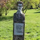 Borjádon álló Petőfi szobor