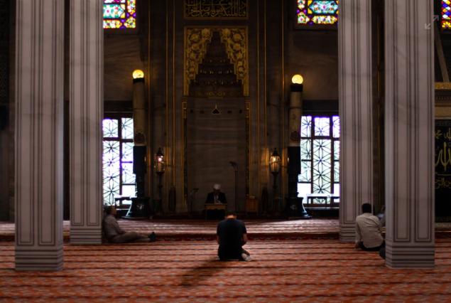 सूरा-अल-हाक्का    Surah 69